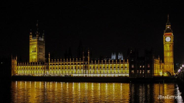 Inglaterra - Londres - Big Ben e Parlamento