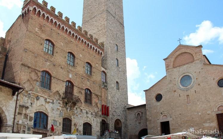 Italia - San Gimignano - Piazza del Duomo - Palazzo Comunale e Colegiada Basilica de Santa Maria Assunta