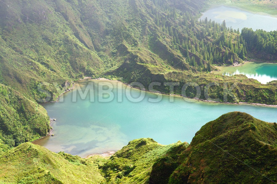 Green lake green mountain - Jan Brons Stock Images