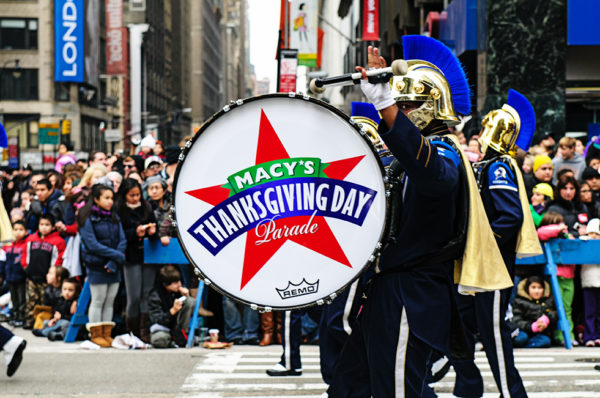Macys thanksgiving day parade marching bands