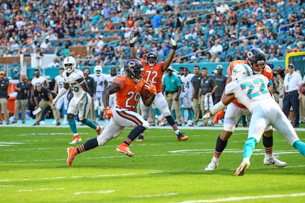 Chicago Bears running back Tarik Cohen (29) runs in for a touchdown
