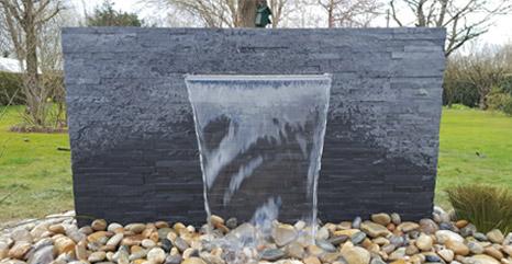 Bassin aquatique  cration  conception de bassin de jardin  JCB