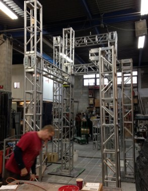 Truss is assembled into the sculptures basic form