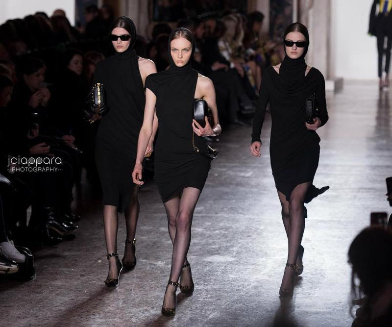 versace Women Fall Winter 2018 Show  Check out morehellip