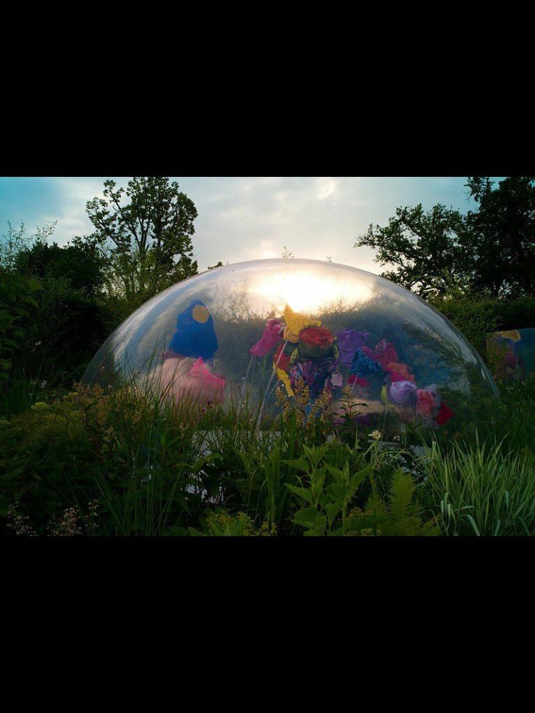 Demi sphère gonflable