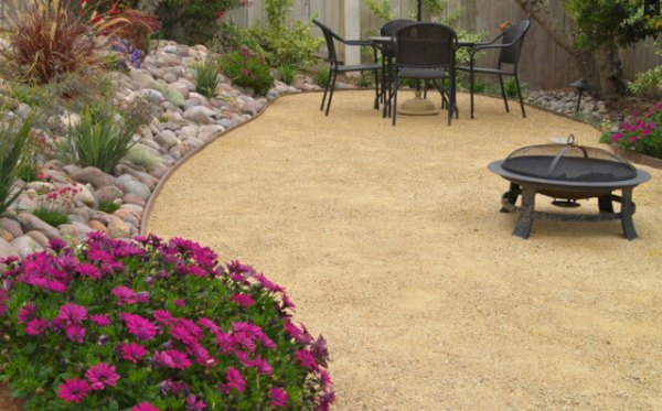 decomposed granite landscaping
