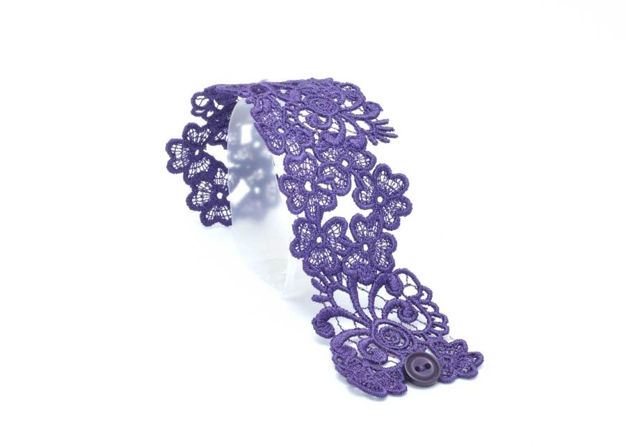 Trefoil Lace Bracelet Lacelet in Purple