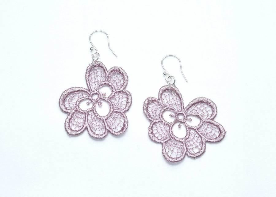 Oakleaf lace earrings in grey lilac