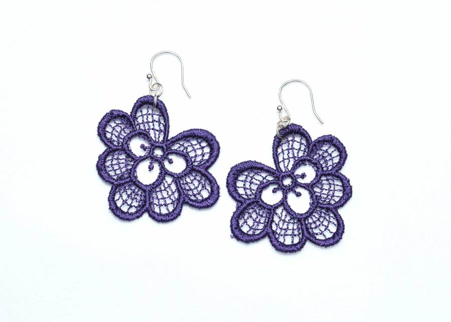 Oakleaf lace earrings in deep purple