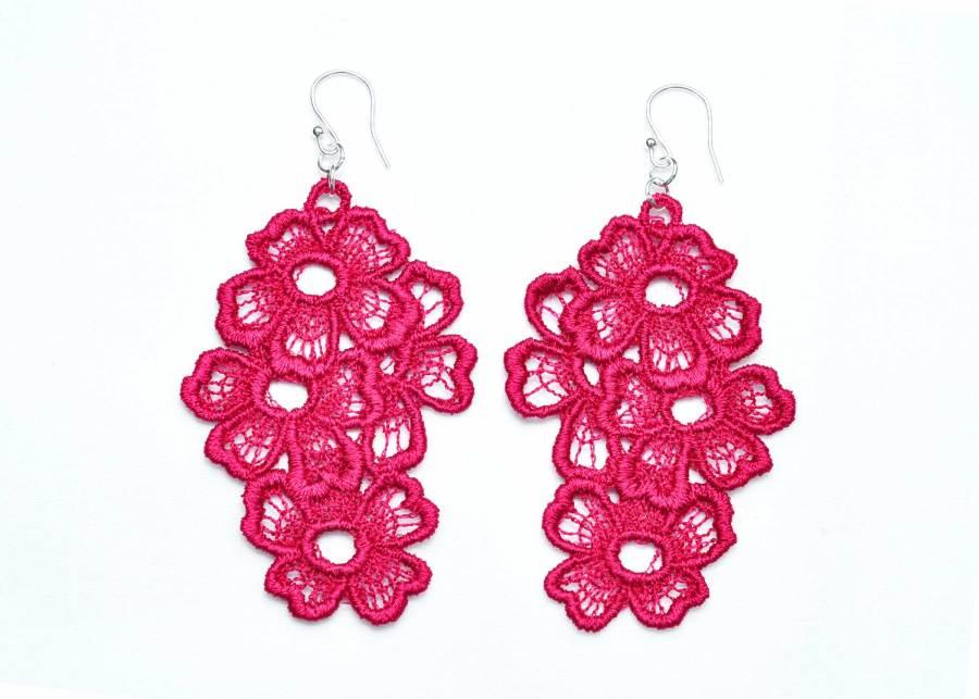 Large Daisy Dreamer Lace Earring in Raspberry
