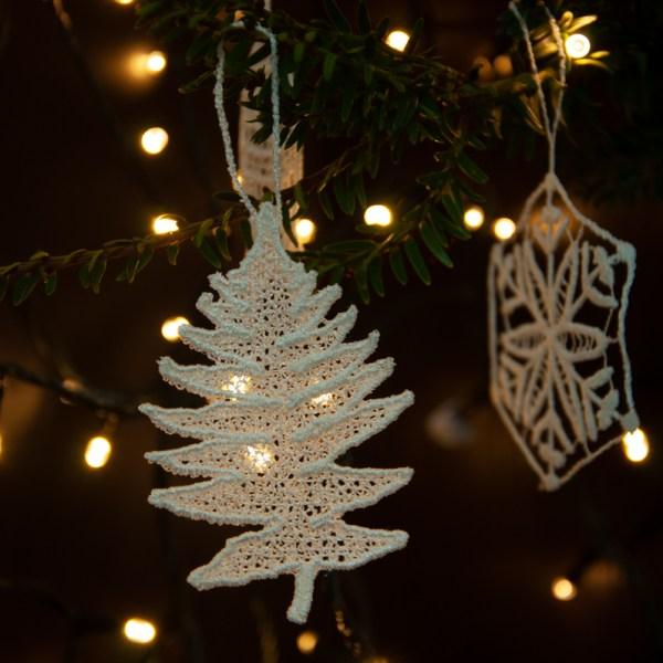 Lace ornaments 2020
