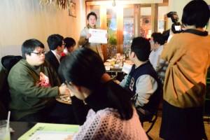 それぞれの憲法への思いを語る青年たち=16日、東京都内