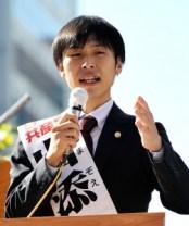 山添拓参院選挙区候補(「しんぶん赤旗」提供)