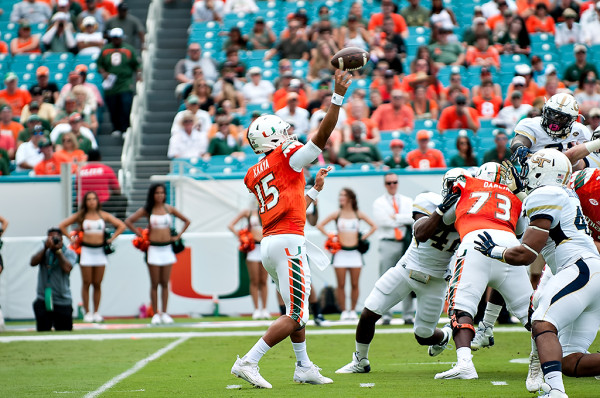 Hurricanes QB, Brad Kaaya, throws a pass in the 1st quarter