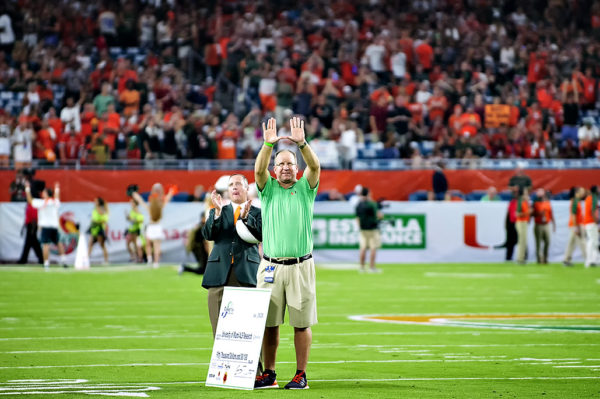 "Former Hurricanes QB and great Gino Torretta throws up the ""U"""
