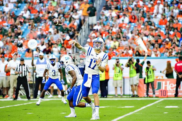 Daniel Jones, Duke QB, throws a pass