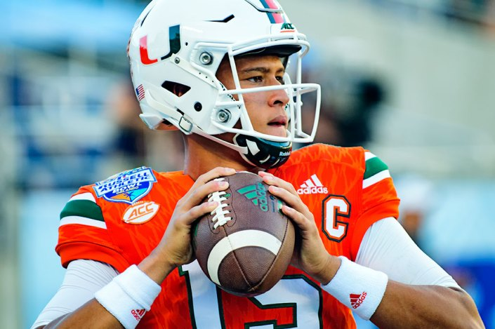 Brad Kaaya warming up
