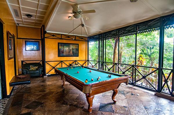 game-room-villa-caletas