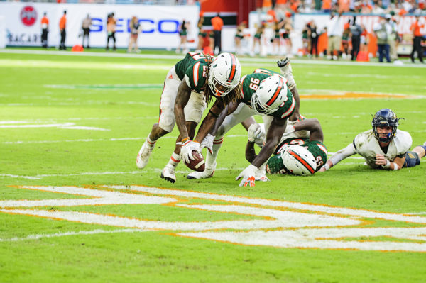Sheldrick Redwine recovers the fumble for Miami