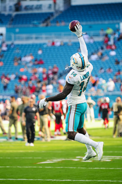 Jarvis Landry (14) with the one handed catch in warmups