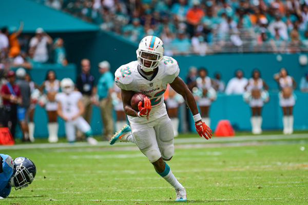Miami Dolphins running back Kenyan Drake (32) runs the ball