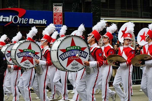 thanksgiving day parade bands
