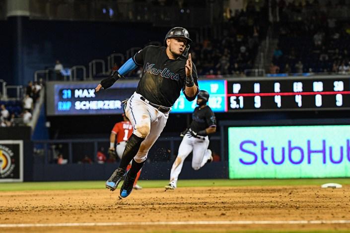 Miami Marlins shortstop Miguel Rojas #19