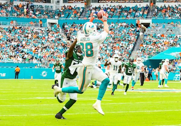 Miami Dolphins tight end Mike Gesicki