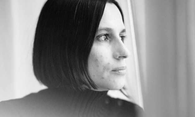 Interview exclusive de Sarah Sauquet, auteure de LA PREMIÈRE FOIS QUE BÉRÉNICE VIT AURÉLIEN, ELLE LE TROUVA FRANCHEMENT CON – COACHING LITTÉRAIRE POUR SÉDUIRE EN 7 ÉTAPES
