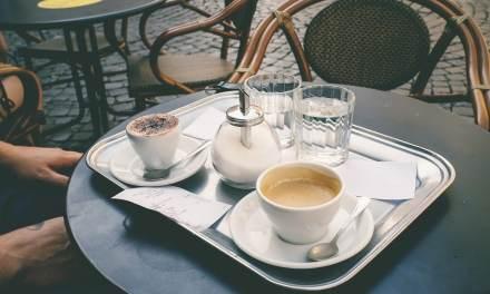 France: Un maire s'endette pour rouvrir un café de son village