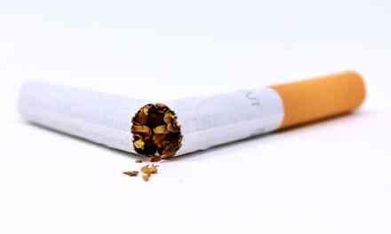 Vous n'arrivez pas à arrêter de fumer? Vos potes sont là pour vous…et ils ont beaucoup d'imagination!