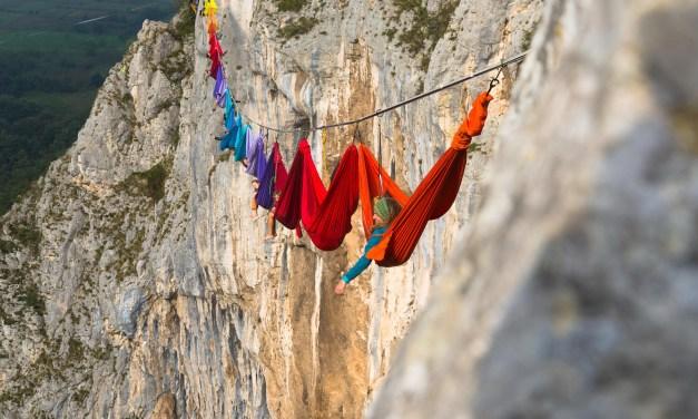Une petite sieste en hamac à 180 mètres du sol ? Direction la Bosnie-Herzégovine et le Drill and Chill Climbing and Highlining Festival !