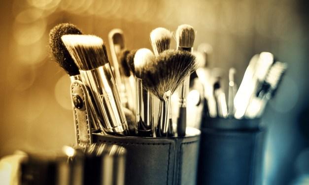 3 conseils pour bien se maquiller sans abîmer sa peau.