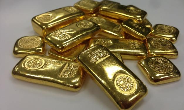Vannes – un habitant commande un maillot de bain et reçoit… des lingots et des Louis d'or !