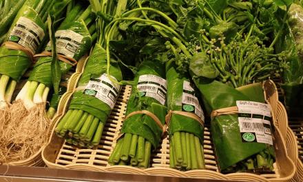 En Thaïlande, ce supermarché remplace les emballages plastiques par des feuilles de bananes