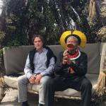 Le célèbre chef d'un peuple de l'Amazonie reçoit un million d'euro à Cannes pour sauver la forêt amazonienne