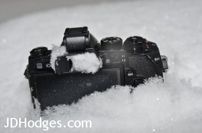 The E-M1 is quite comfy in the snow