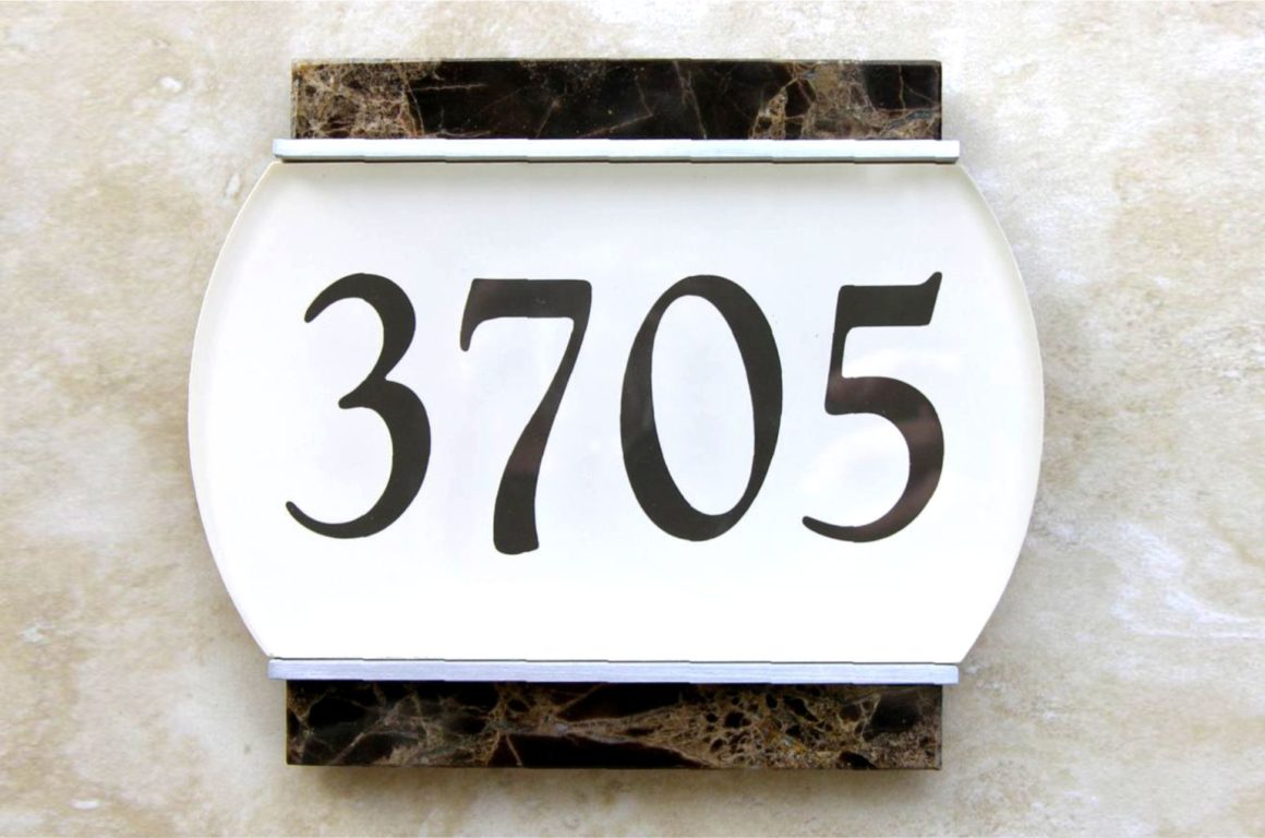door unit plaques