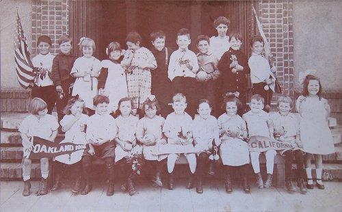 Emerson Elementary class portrait 1916