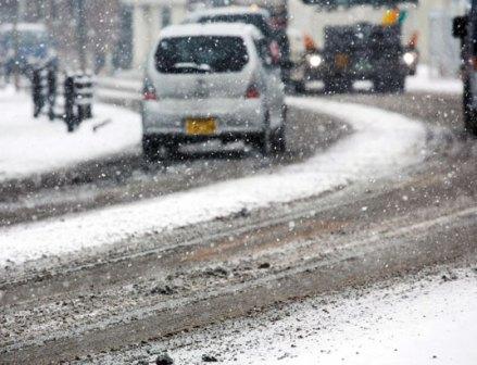 降雪前に冬タイヤ使用の呼びかけを