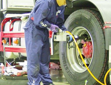 安全なタイヤ整備の実現に向けて――現場で高まる適正作業への思い