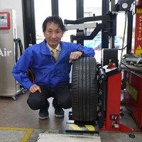 森本祐二さんとタイヤリフト「SR-66」