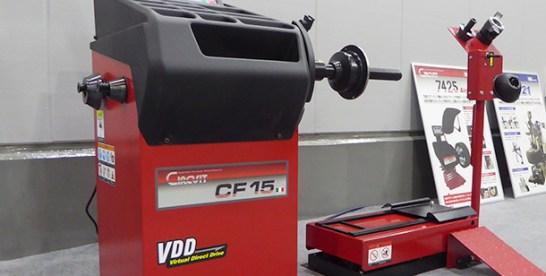 エイワの乗用車用バランサー「CIRCUIT CF15」使いやすく、省力化・軽労化に寄与
