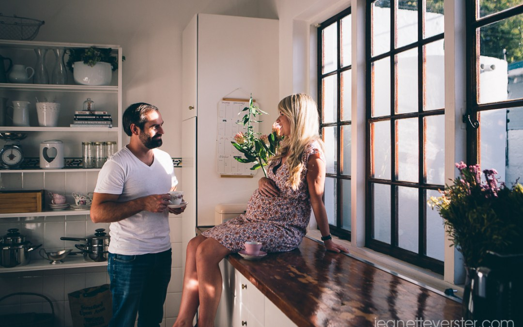 Paula and Mark's lifestyle maternity shoot in Parkhurst
