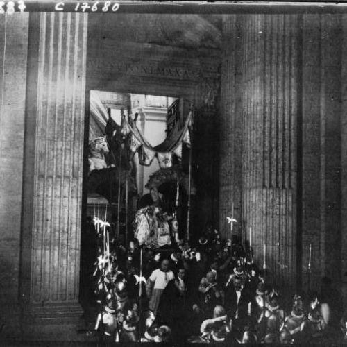 La canonisation de Jeanne d'Arc à Rome entrée du pape à Saint Pierre