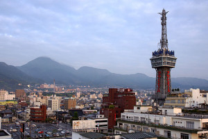512px-Beppu_Tower02s4s3200