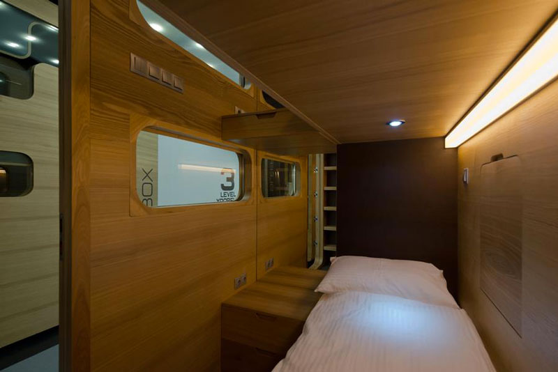 SLEEPBOX MOBILE HOTEL ON TVERSKAYA  BY ARCH GROUP