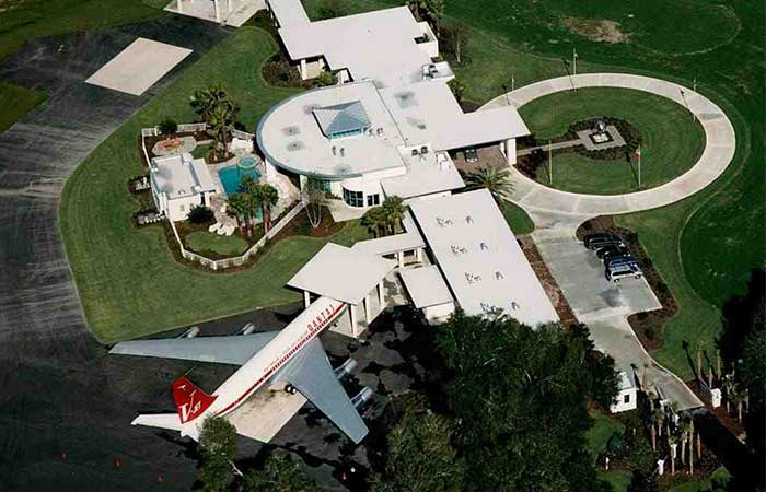 House Inside John Travolta S
