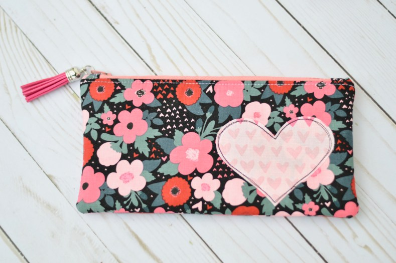 Heart Zipper pouch tutorial for Valentines