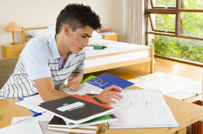 8 tips related to study room can make any student successful in hindi